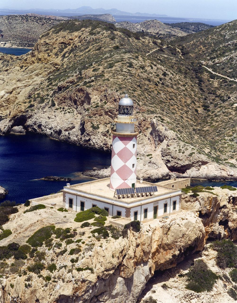 N'Ensiola Lighthouse, Cabrera.