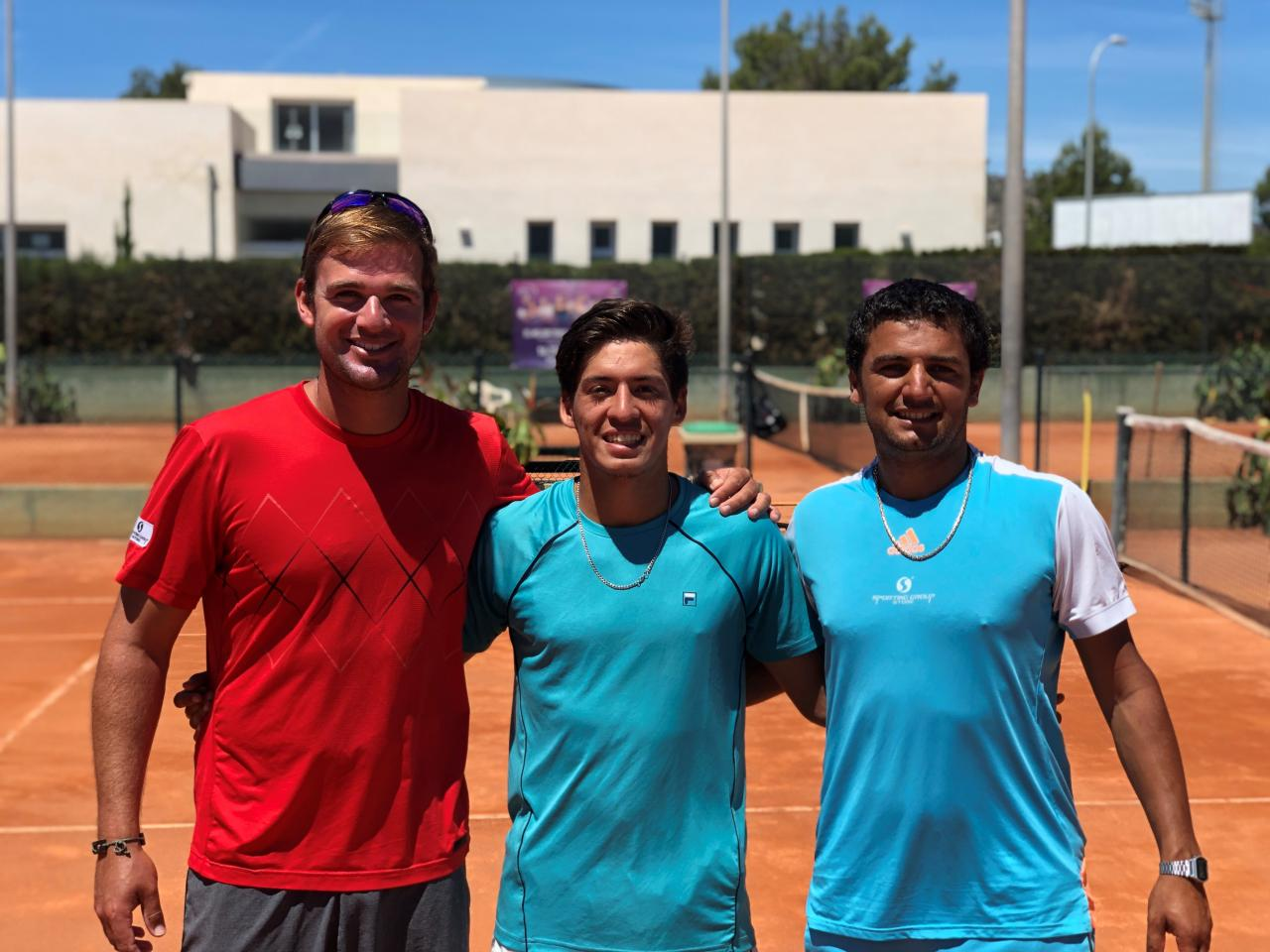 Vinicius Emanuel de Oliveira is the coach and co-founder of Unity tennis
