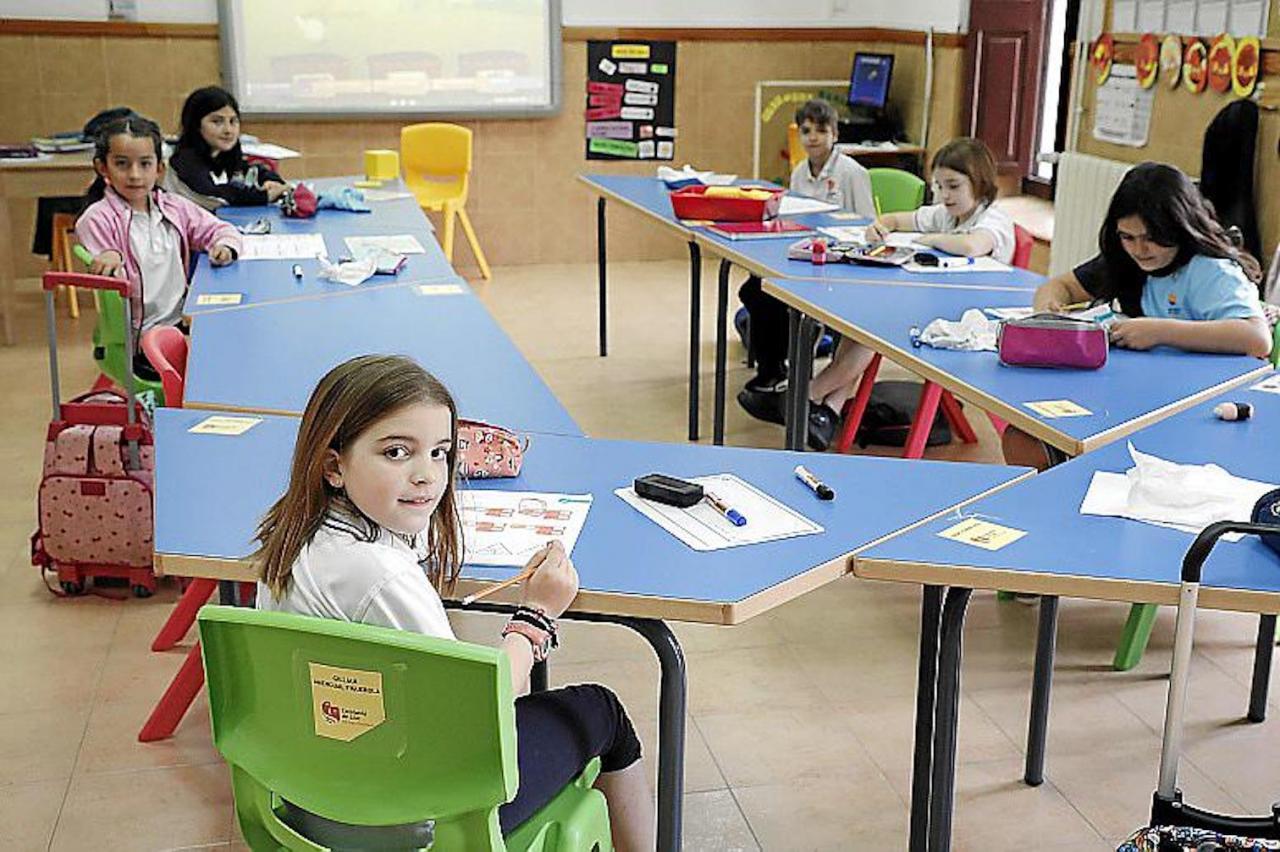 Students in class at Escolania de Lluc.