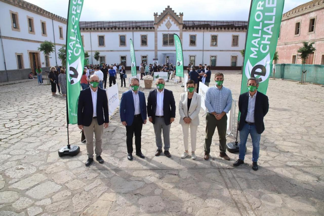 Mar Puigserver, eMallorca Challenge Technical Director, Joan Gilbert, Inca Mayor, Virgilio Moreno, Mobility Minister, Josep Marí & Beatriz Vilas at the presentation of the 2nd Edition of the eMallorca Challenge.