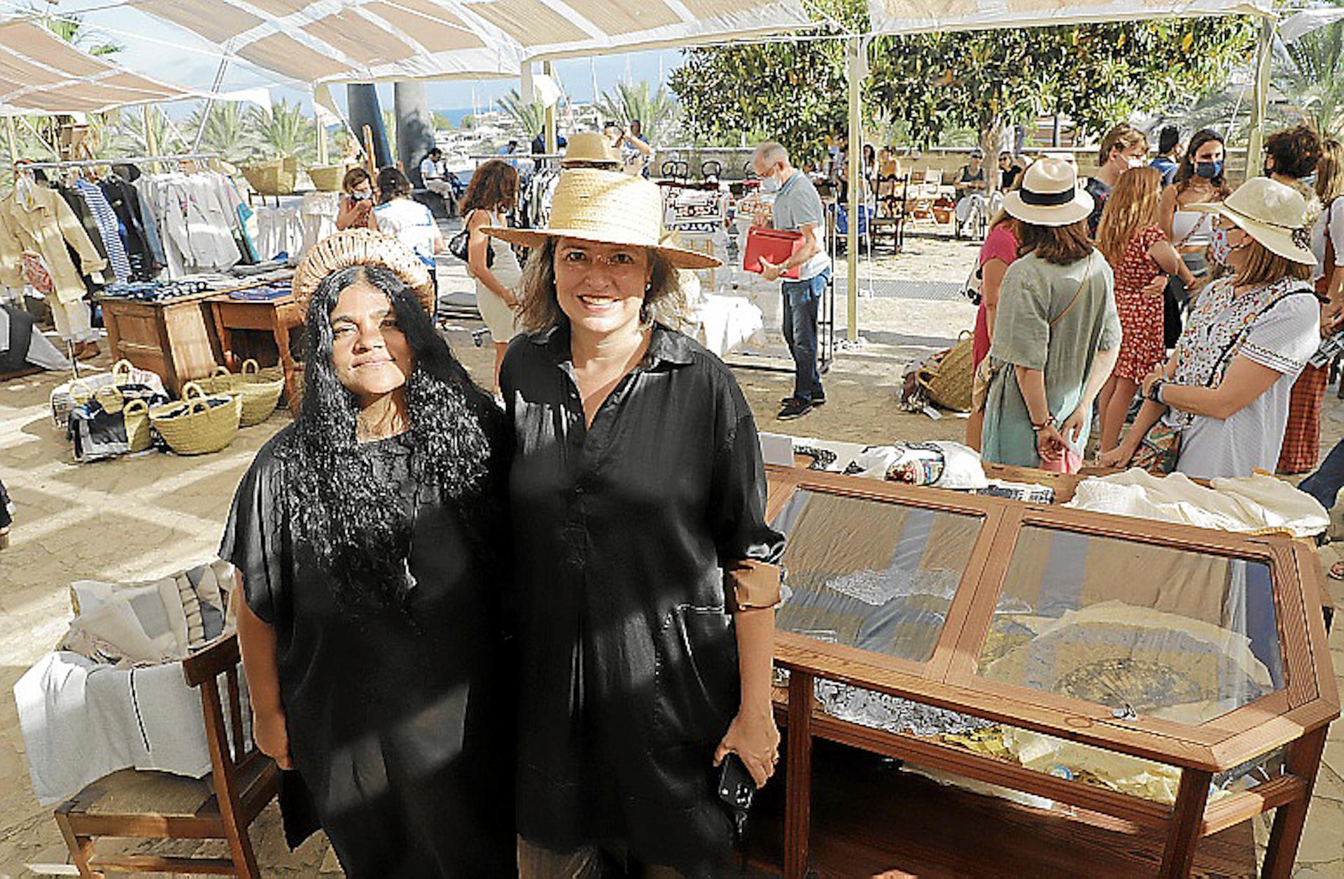 Marcela Echavarría & Kavita Parmar at Xtant 2021 Textile Craft Exhibition.