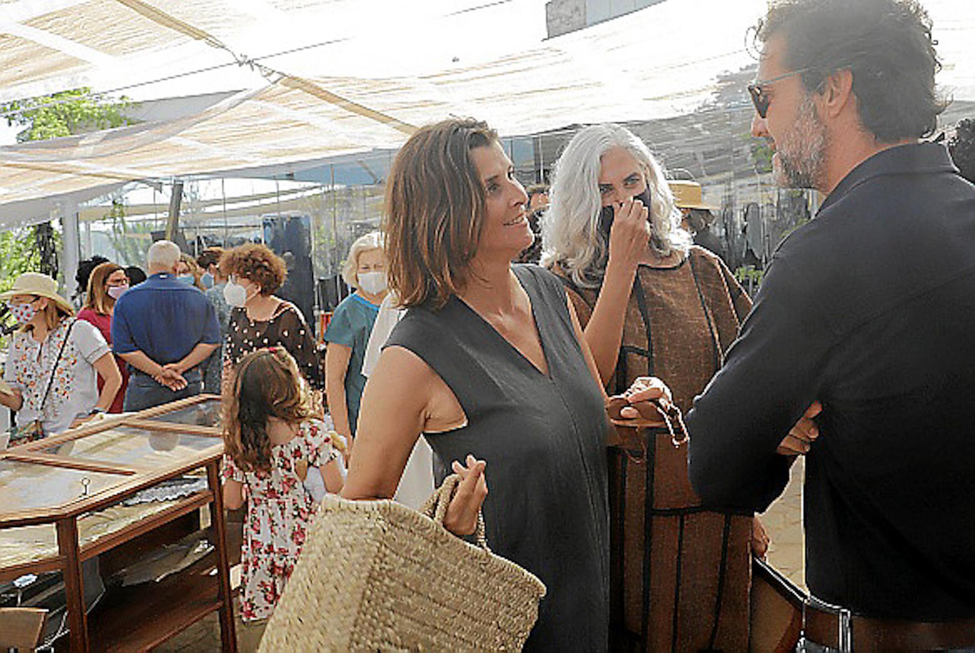Rosario Nadal, Maria Antonia Horrach & Javier Goyeneche at the Xtant 2021 Textile Craft Exhibition.