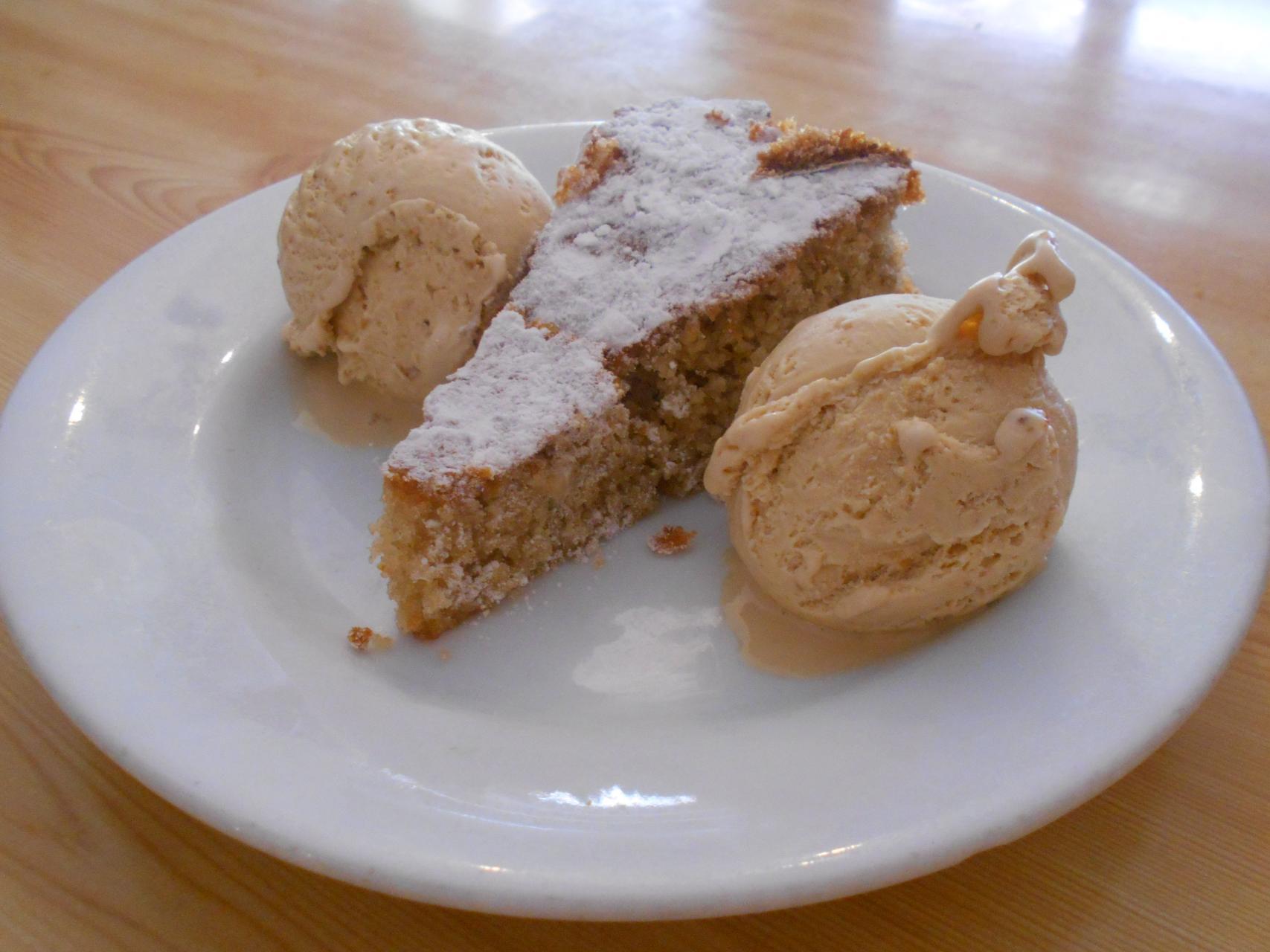 The spongecake and two scoops of ice cream