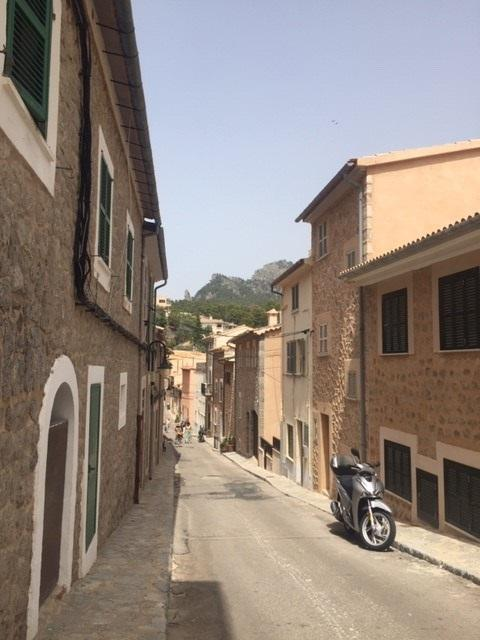 Santa Catalina Barrio is a favourite for many looking to buy or rent long term.