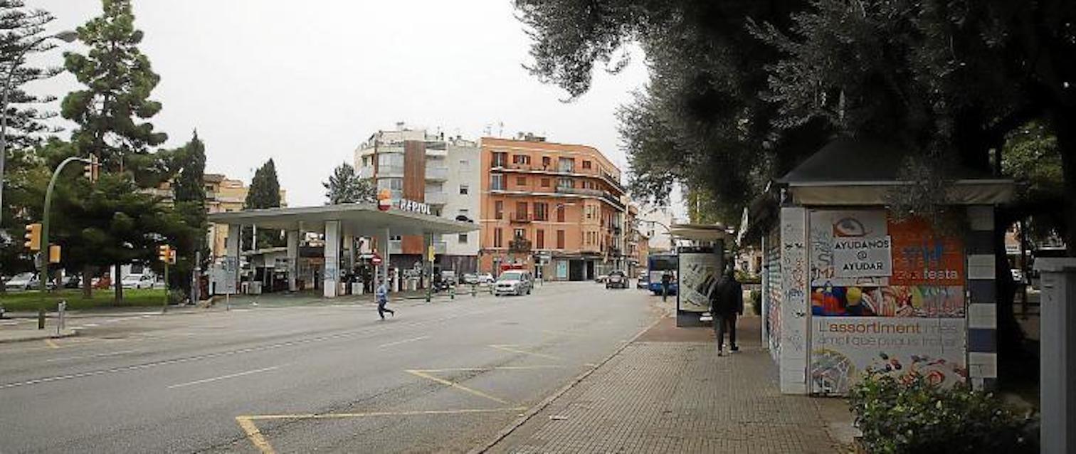 Plaça Progrés petrol station, Palma.