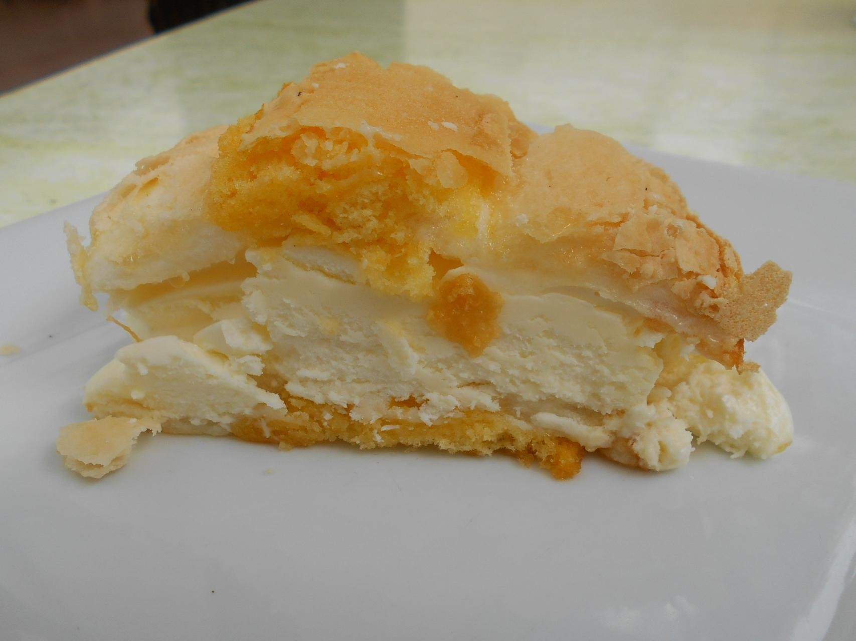 The cardenal made with soft meringue