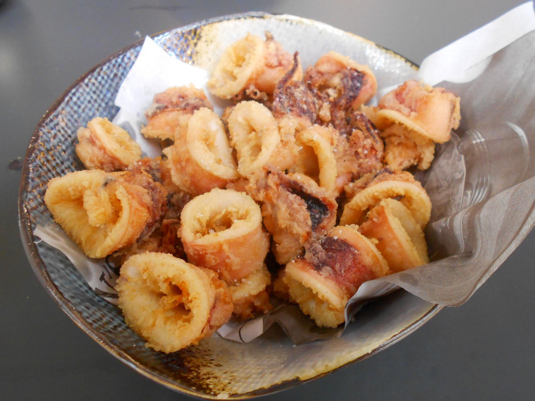 The calamares were superior Italian fritura