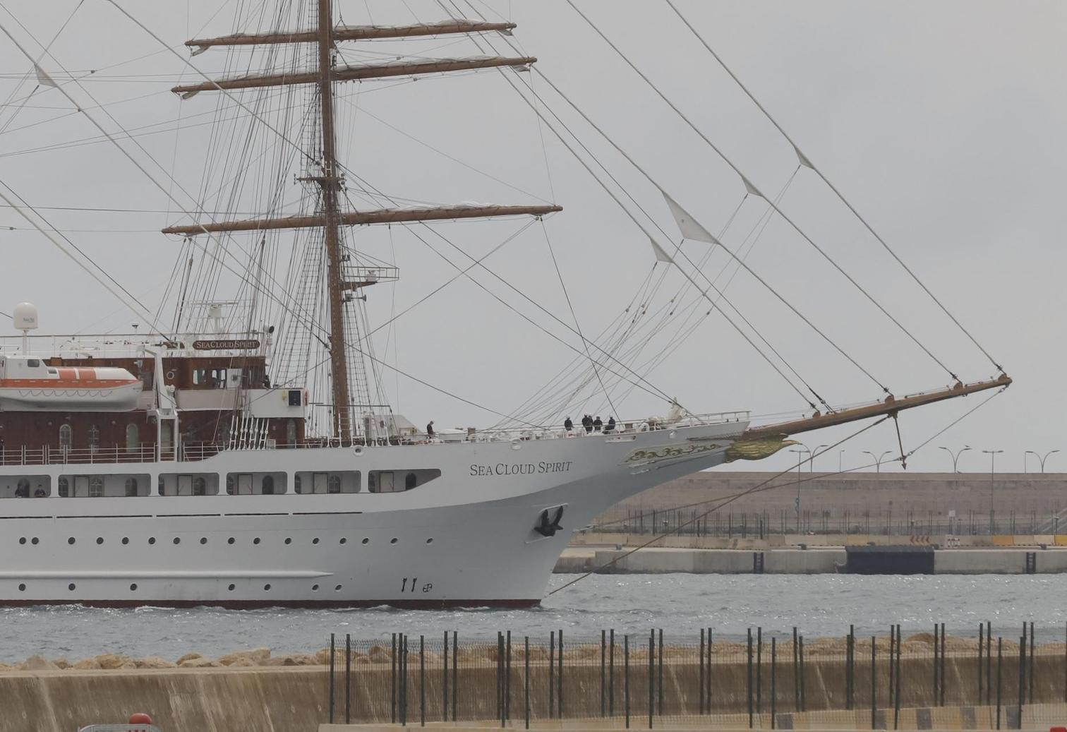 'Sea Cloud Spirit' arriving in Palma.
