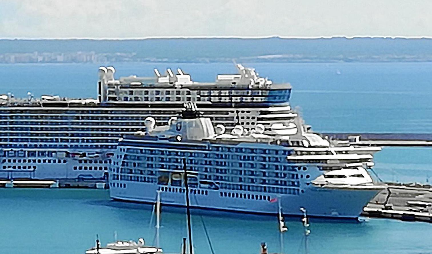 'The World' Cruise Ship docked in Palma.