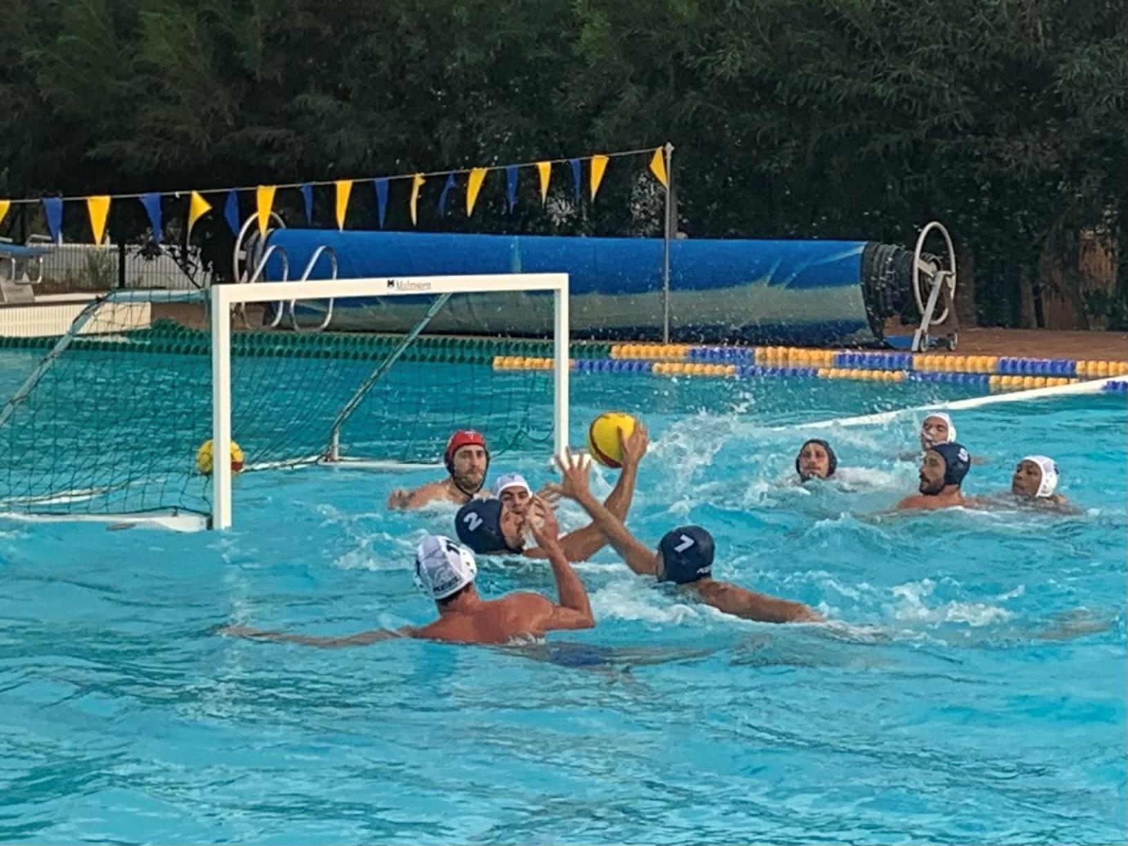 The Marseille waterpolo team in action.