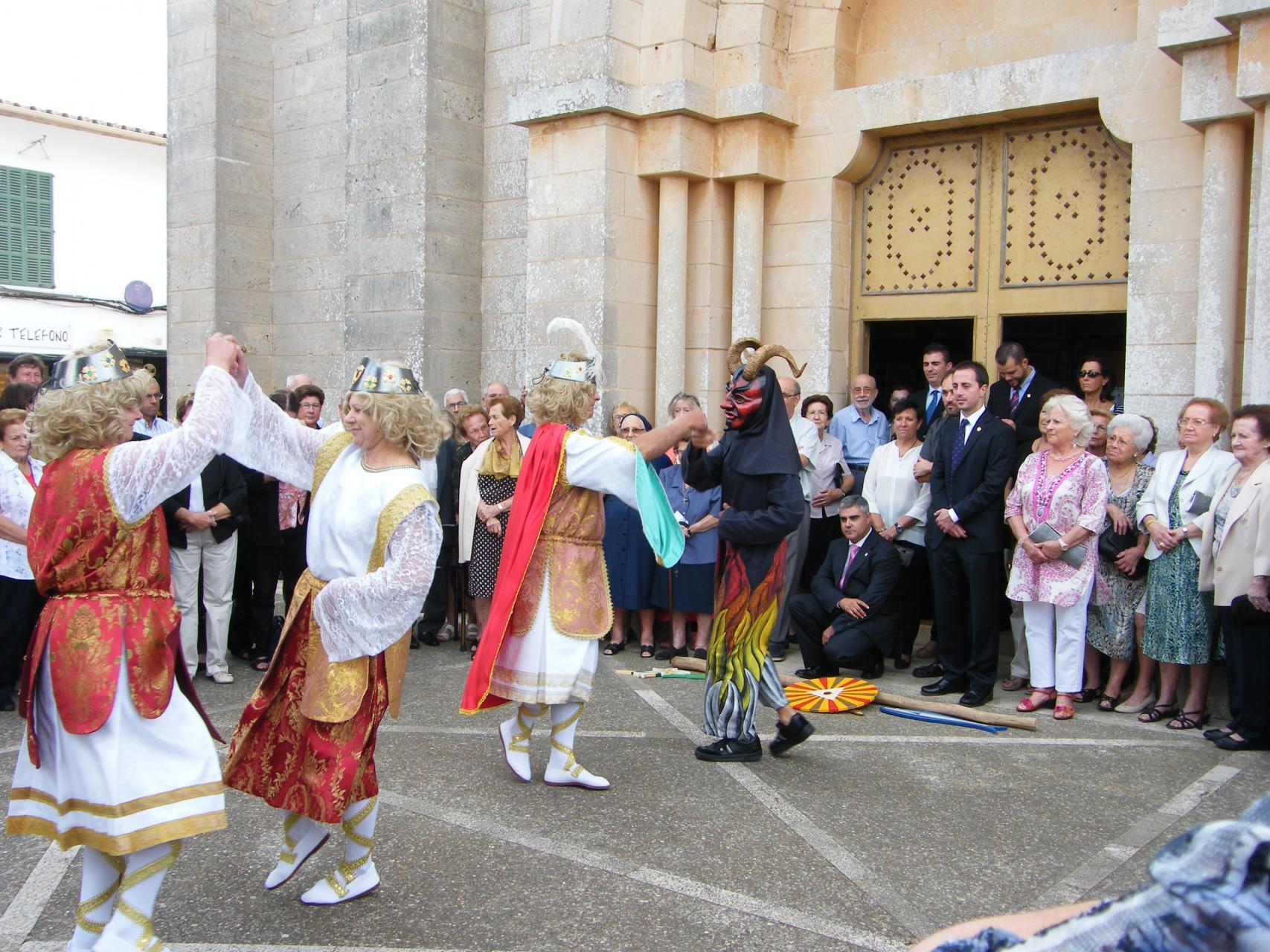 Calonge . El ¿llogaret¿ de Calonge , en Santanyí, celebra estos días la festividad de Sant Miquel.