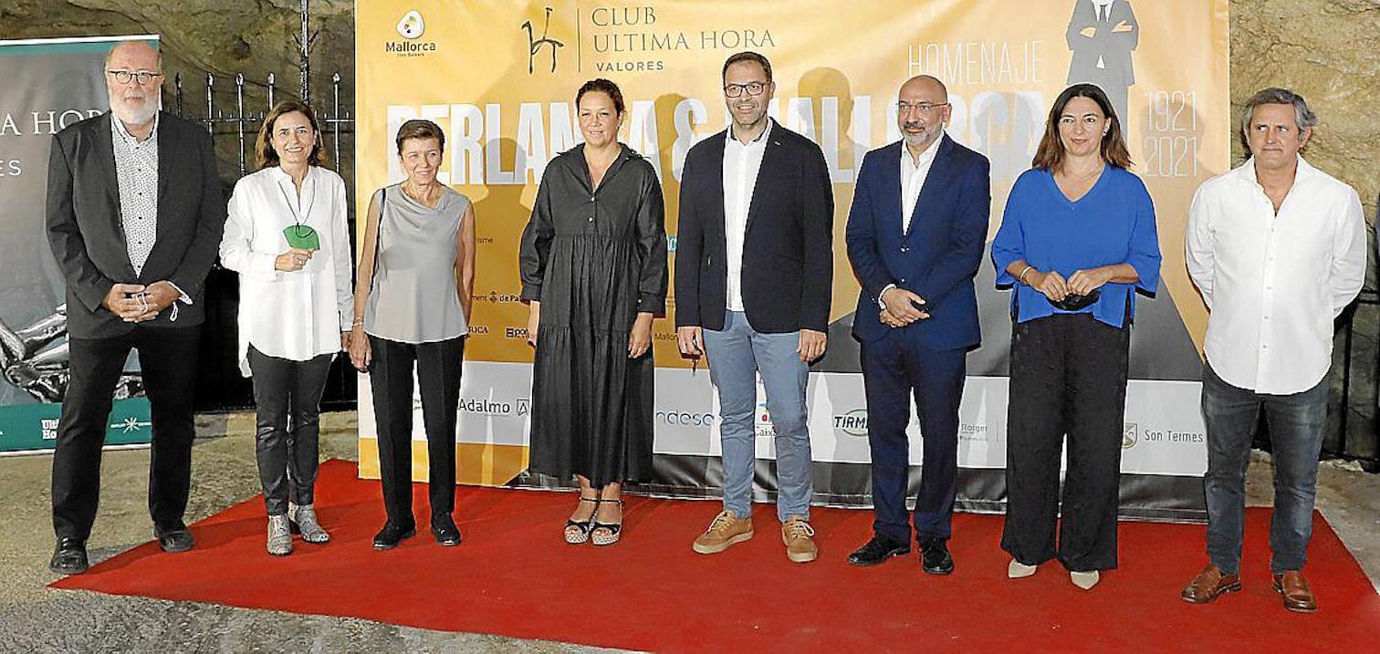 Pedro Barbadillo, Paula Serra, Carmen Serra, Catalina Cladera, Miquel Oliver, Andreu Serra, Catalina Solivellas & Pedro Rullán