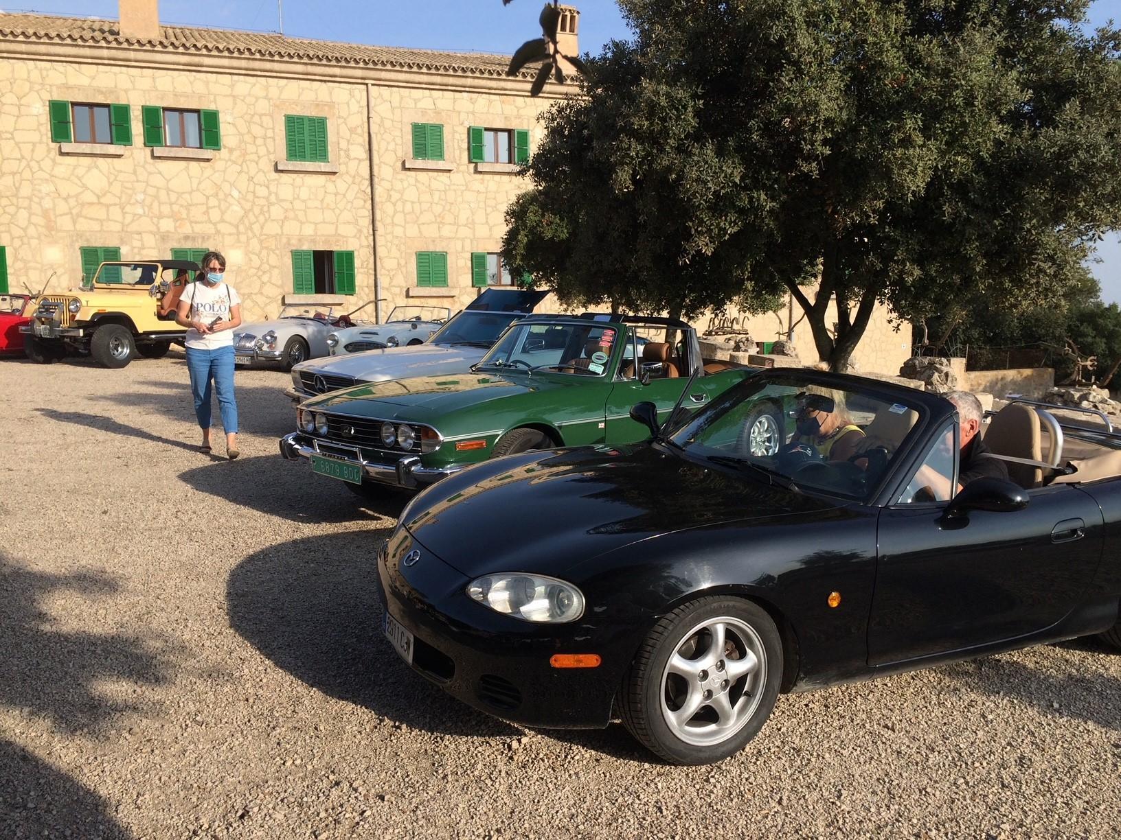 Retro classic Mazda MX5 with Triumph Stag and friends.