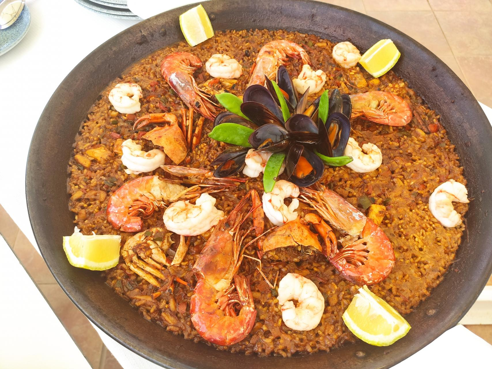 This paella speaks for itself, doesn't it?