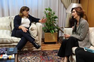 Tourism minister Bel Busquets (left) with Bel Oliver in Madrid.