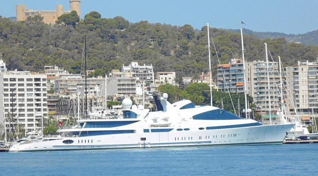 Superyacht Yas in Palma