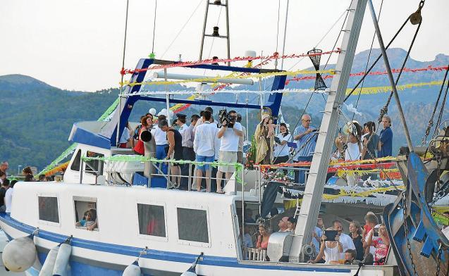 Flotilla procession