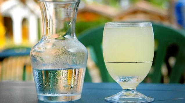 Pastis drink
