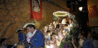 The triumphal carriage at Valldemossa's La Beata fiestas.