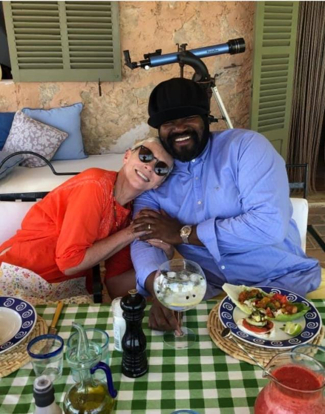 Annie Lennox with Gregory Porter