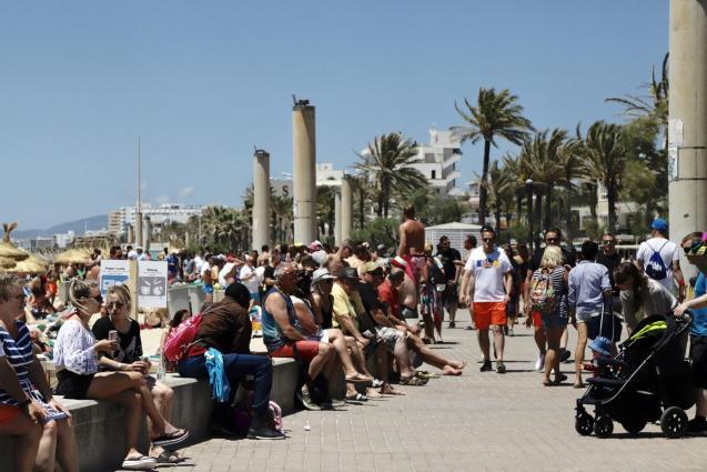 Tourists in Playa de Palma