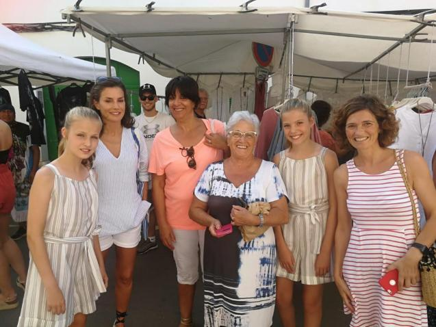 A morning at Pollensa market for the princesses.