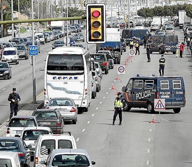 CONTROLES  DE LA POLICIA NACIONAL POR LA CUMBRE DE MINISTROS DE DEFENSA EN PALMA.
