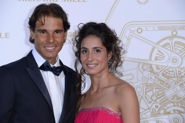 Rafael Nadal y su novia Xisca Perello en la gala de la Fundación Rafa Nadal en París.