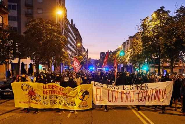 Protest at the Guardia Civil headquarters in Girona
