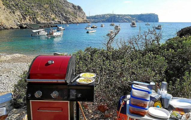 The barbecue set up at Cala Egos.