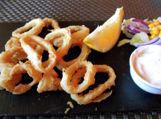 Calamares andaluza came with a salad and alioli.