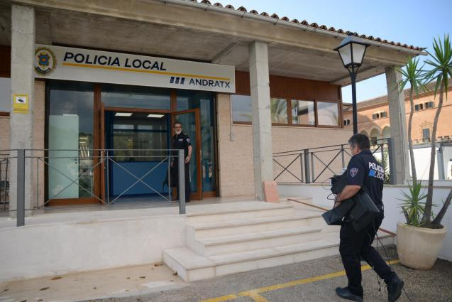 Local Police station in Andratx