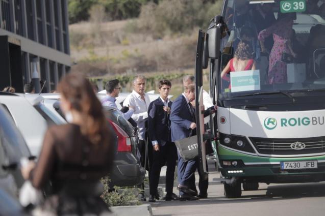 Family on their way to La Fortaleza