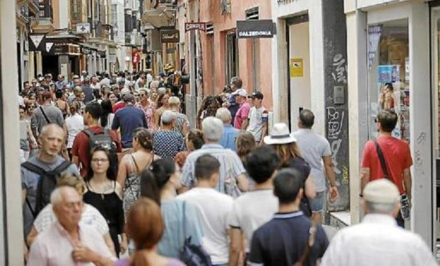 Palma street are crowded in the summer