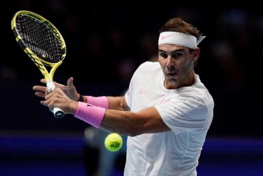 London (United Kindgom), 11/11/2019.- Rafael Nadal of Spain returns to Alexander Zverev of Germany during their round robin match at the ATP World Tour Finals tennis tournament in London, Britain, 11 November 2019. EFE/EPA/WILL OLIVER ATP World Tour Finals in London