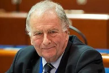 Sir Roger gale is fighting the expat corner in Westminster.