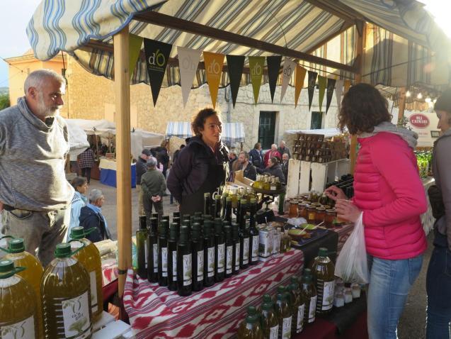 Caimari's olive fair