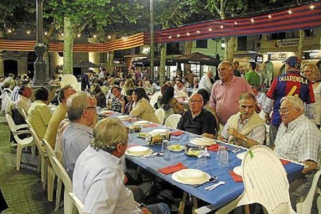 Private event in the square of Sa Pobla