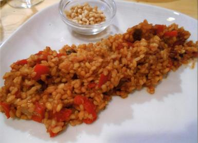 The arroz Tramuntana with the pinenuts.
