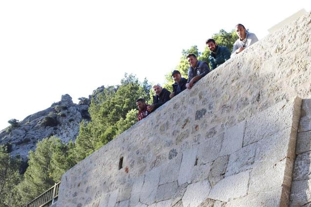 Council create a professional school for dry-stone wall building