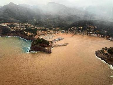 The sea turns brown in Soller.