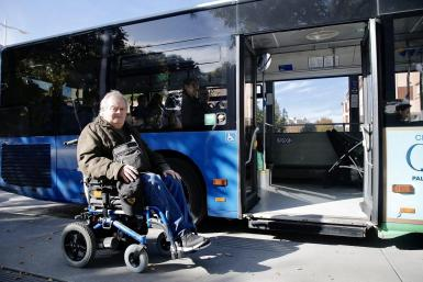 Juan Manuel Colomar asks for disabled access improvement EMT bus to hospital
