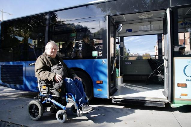 Juan Manuel Colomar asks for disabled access improvement EMT bus to hospital