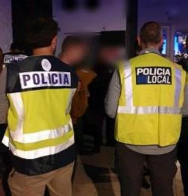 The joint taksforce raided a number of bars in Palma.