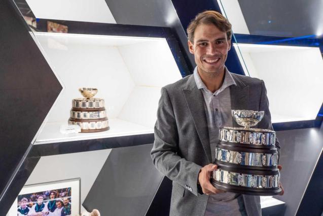 Rafa Nadal with the Davis Cup in Manacor