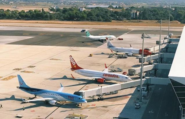 Planes at Palma airport