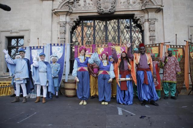 The Royal Pages arrive in Palma