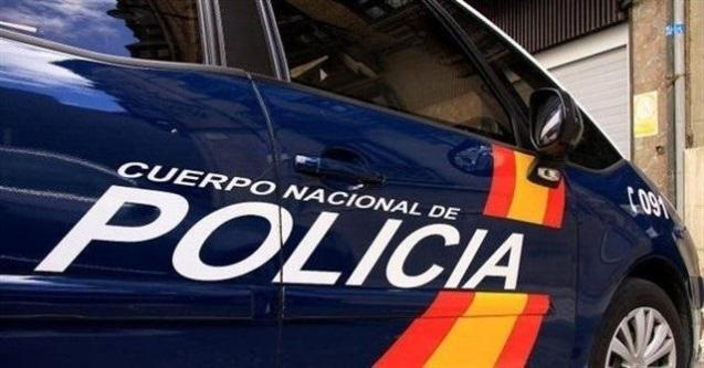 National Police officers say they confiscated 49.64 grams of cannabis worth 250 euros, cash and drug paraphernalia