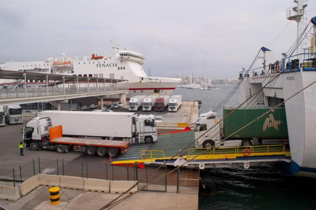 Freight charges at the Baleària and Trasmediterranean shipping companies increased by up to 20% from January 1
