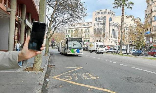 Paying for the bus by mobile phone will make it easier for customers